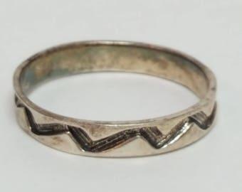 Vintage Sterling Silver Zig Zag Chevron Ring size 10