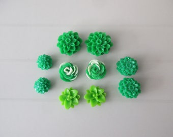 10 resin cabochons flowers to paste green colors
