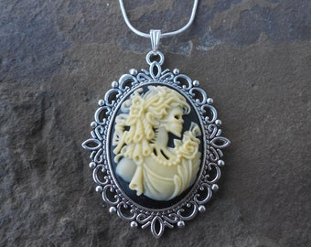 "Stunning Skeleton Lady Cameo Pendant Necklace---.925 plated 22"" Chain--- Great Quality!! 2"" Long"