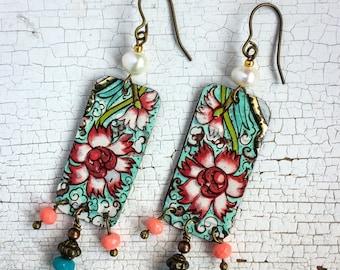 Pendant earrings, vintage tin earrings, floral earrings, boho earrings, vintage style, pearl earrings, vintage earrings