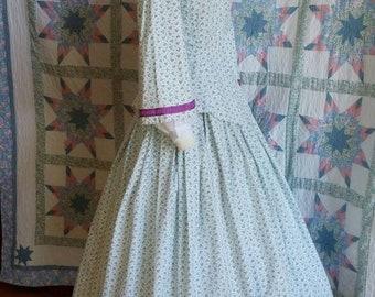 Floral Print Civil War era Day Dress with Peplum Bodice - Small