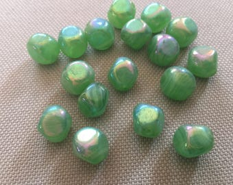 Vintage Glass Beads (12mm)(8) Pretty Green Beads