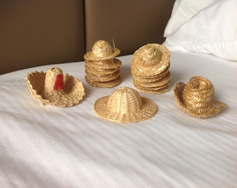 Straw hats, small