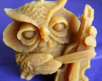natural beeswax - violin OWL candle