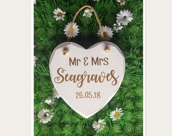 Mr & Mrs Hanging Heart Sign