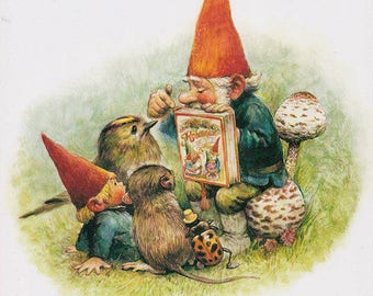 Vintage art print 80s. David the gnome is reading aloud. By Rien Poortvliet.