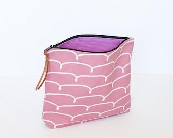 Make-up pouch, pink zipper pouch