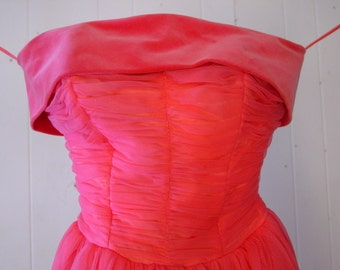 1950s dresses, Vintage 1950s, rose pink, princess dress prom dress, gown, extra small