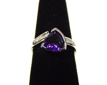 Womens Sterling Silver .925 Ring w/ Diamond Cut Amethyst Colored Stone 2.8g #E2613