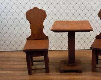 Dollhouse miniature furniture in twelfth scale or 1:12 scale.  Pub chair by Donna Henricks.  Item # D248.