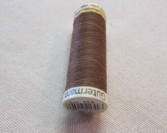 Sewing thread Brown n 124 Gütermann 100% polyester