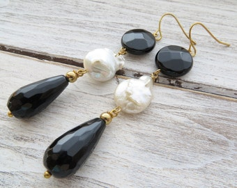 Black onyx earrings, dangle earrings, freshwater pearl earrings, gemstone jewelry, black agate jewellery, black and white earrings, gift