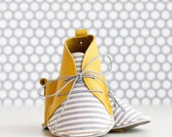 GINTONIC zapatitos de bebé de estilo moderno, en piel natural y tela de algodón