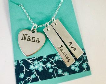 Grandma Necklace , Personalized Grandma Necklace , Nana Necklace , Gigi necklace , Mimi Keychain, Oma Keychain