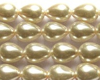9x7mm Creamy Ivory Off White Teardrop Glass Pearls 8 in strand 22 beads