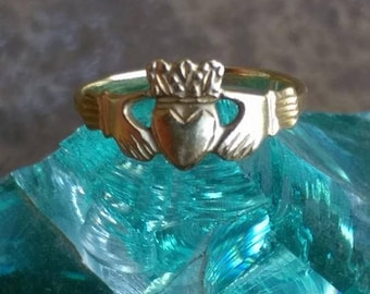 14k yellow gold Claddagh ring, Irish wedding band, Friendship ring, Valentine's Day gift for her