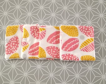 Pack of 4 ecological washable and reusable wipes in sponge and cloth-washcloths -Foliage pink yellow silver