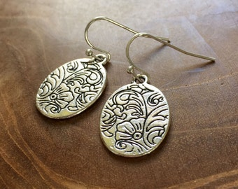 Baroque Floral - silvertone dangling earrings with metal charm with floral pattern - boho, bohemian, gypsy, hippie, oval, flowers, trend