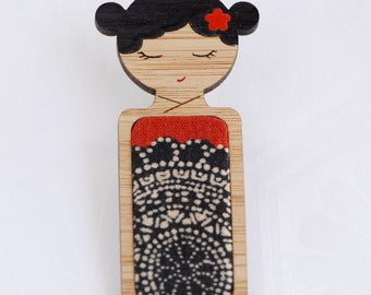 Gothic Midnight Lace // Kokeshi Brooch // Vintage Kimono Fabric Inlay