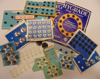 156 piece collection of vintage push buttons, 6-15 mm (45)