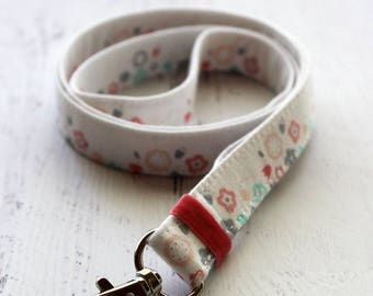 Pretty floral print lanyard - girly lanyard - key holder lanyard - teachers lanyard - school badge lanyard - ID badge holder - cute lanyard