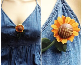 WOODEN SUNFLOWER,BROTCH/Pin / Hand painted /carved