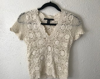 Vintage 1990s LUCKY BRAND white crocheted short sleeve womens top size small