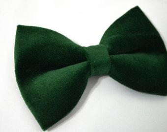 Velveteen Hunter Green bow tie, baby bow tie, boys bow tie ,adult bow tie,groomsmen bow tie, men's bow tie, velvet bow tie, Green bow tie