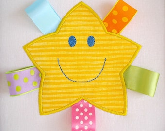 Star Machine Embroidery Applique Design - Smiling Star - Two Sizes 4x4 and 5x7