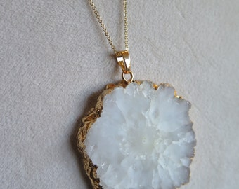 White flower druzy necklace, quartz necklace, stalactite slice necklace, druzy necklace, quartz slice necklace, special occasion necklace
