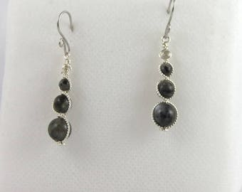 Earrings grey Labradorite beads.