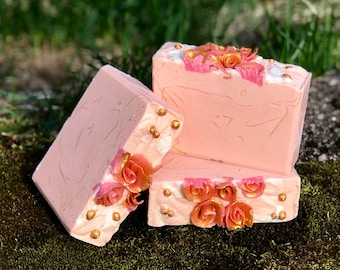 Che Bella Donna Handmade All Natural Soap with Aloe and Kaolin Clay