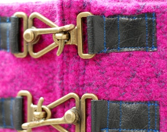 Hip belt hot pink leather buckles knit extra large