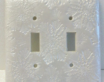 Pearled Snowflakes double toggle light switch cover