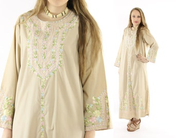 Vintage 70s Caftan Dress Embroidered Maxi Long Sleeve Tunic Tan Pastel Flowers 1970s Medium M Hippie Boho Bohemian Fashion