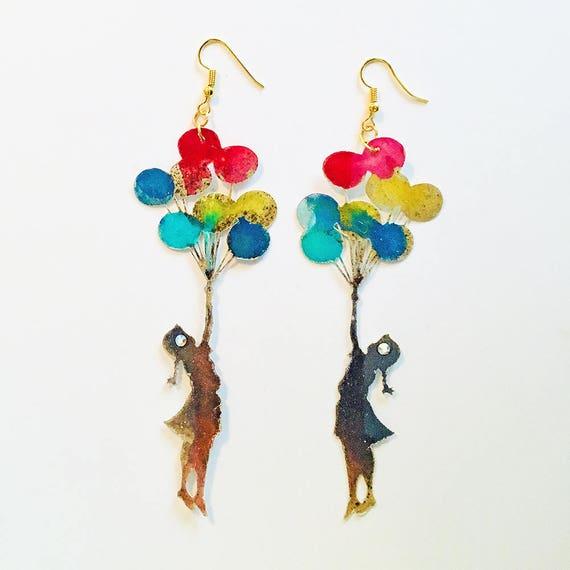 Little girl earrings - Balloon lovers earrings - Trend jewelry - Fly jewelry - Novelty balloon earrings - Street art earrings - Girl balloon