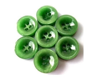 6 Vintage buttons plastic buttons, green, 17mm, 6mm thick