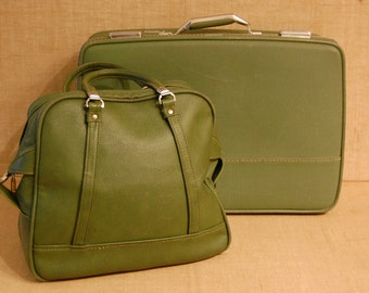 Vintage American Tourister Triump 2 piece Luggage, vintage suitcase, vintage carry on bag, vintage green luggage, over night bag,