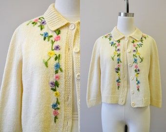 1950s Floral Applique Wool Cardigan Sweater
