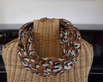 snood scarf in Brown crinkle cotton