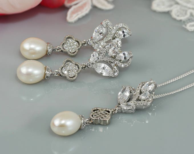 Real Pearl and crystal drop necklace set, earrings, Lucky 4 leaf clover, flower, prom, bride, wedding, mother  bride, Prom earrings