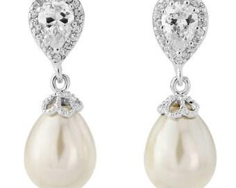 Beautiful Glamour Ivory Pearl Earrings, bridal ear rings, prom earrings, bridal accessories, bridal jewellery