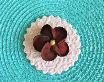 """Royal Icing Drop Flowers with Gold Center Dragée Deep Wine Colour ReAdY To ShIp ! SIZE 1 1/2""""  12 PCS"""
