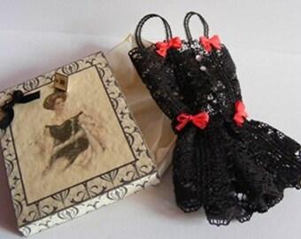 Black Lace Negligee & Box Kit