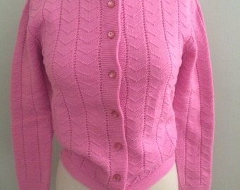 1950s Pink Acrylic Knit Cardigan Sweater by Bernice Size M/L