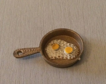 Vintage Dolls House Frying Pan