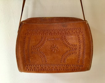 70s tooled leather bag / vintage brown COSTA RICA crossbody purse