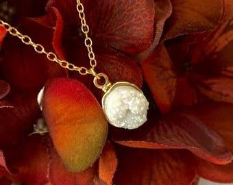 Gemstone Druzy Necklace Gold-Druzy Gemstone Necklace Gift-White Druzy Gold Necklace-Natural Druzy Pendant Necklace- Druzy Necklace with Gold