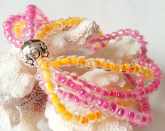 Multi-Strang Rosa und Orange Stretch Armband, Seed Bead, Stapel-Look, Manschette Armband