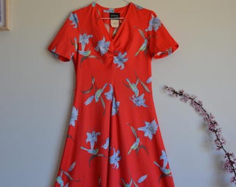 1970s 1980s Vintage vibrant red dress - 70s 80s lily flower and bird print dress - Size S